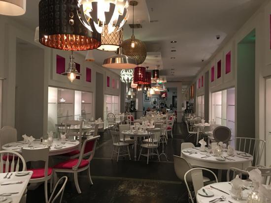EIGHT4NINE Restaurant & Lounge: The main dining area