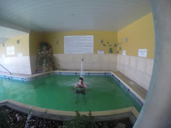 Foto de hotel avenida termas carhu pileta termal los for Chorros para piscinas precios