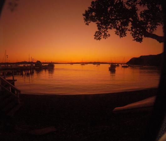 Crusty Crab  Takeaway : Sunset