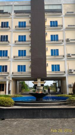 Kampung Wisata Tigadara Hotel & Resort