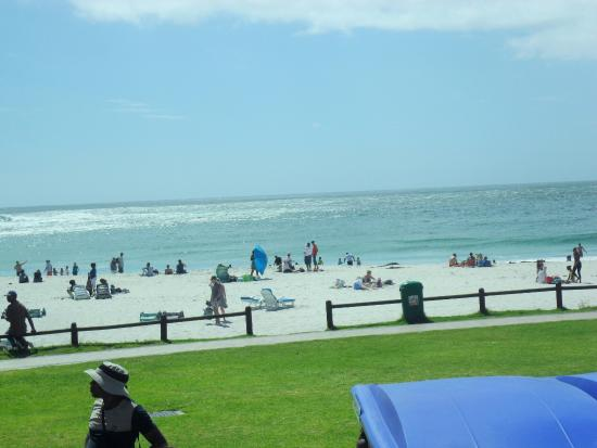 Camps Bay, Afrika Selatan: The beachside