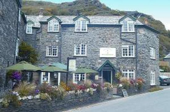 Bridge House Bed & Breakfast: Our beautiful Cornish Stone B&B