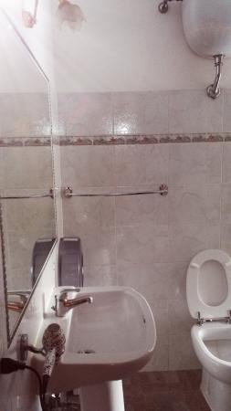 Hotel Meraviglia: bagno