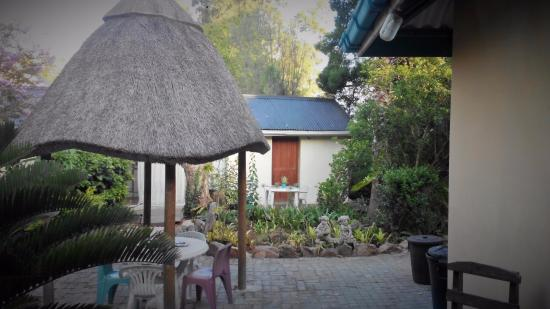 Addo, Sudáfrica: The grounds are tidy and nice.