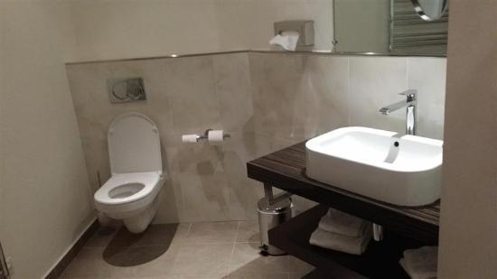 Hotel Chez Jean: Lavabo WC