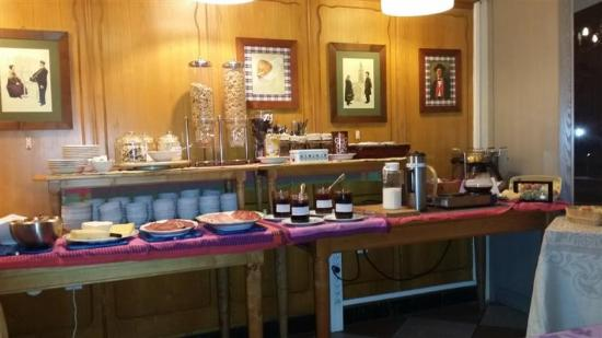 Hotel Chez Jean: Buffet du petit déjeuner