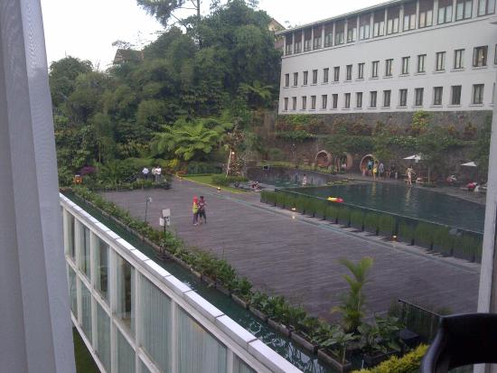 swimming pool picture of padma hotel bandung bandung tripadvisor rh tripadvisor co za