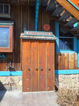 Sugar Pine Lodge: Ski Lockers