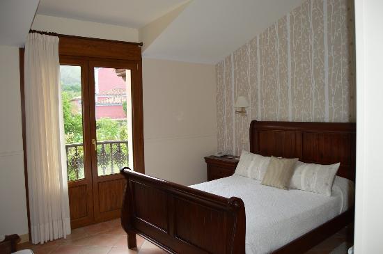 Hotel Rural Arpa de Hierba: Habitación