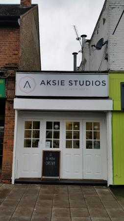 West Drayton, UK: Aksie Studios the front of the store from Station Road