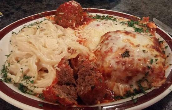 Oelwein, IA: Tour of Italy~ try a little of everything