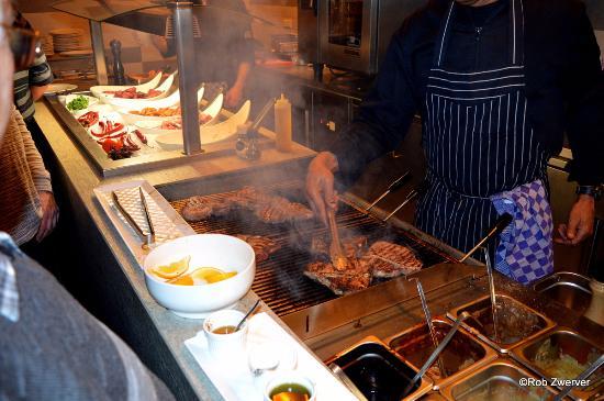 Naaldwijk, Holandia: Hier wordt het vlees gegrilld.