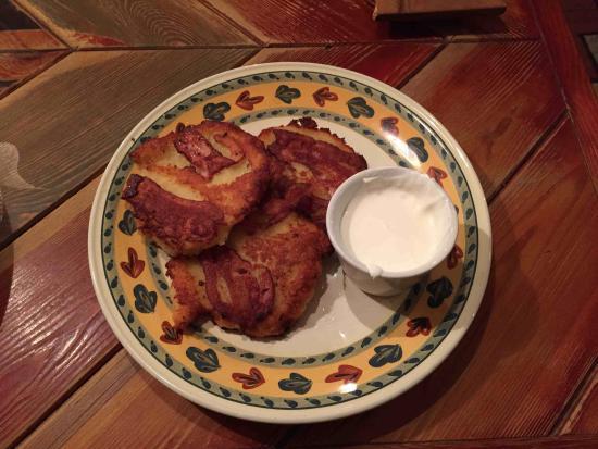 Forto Dvaras: Grated potato pancakes with bacon