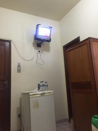 Beira Rio Hotel: Apto duplo com frigobar, TV e um armário!