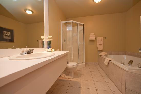 Hotel l'Empress: Salle de bain suite