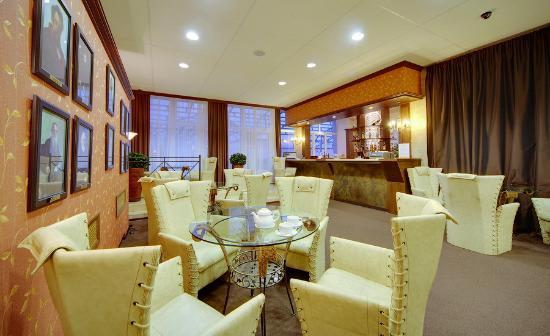 Lobby-Bar Repino Cronwell Park Hotel