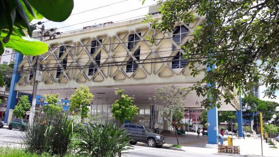 Raul de Leoni Municipal Public Library
