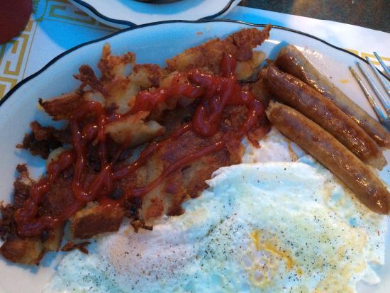 Atlantis Pizzeria and Family Restaurant: eggs over easy, sausage, potatoes