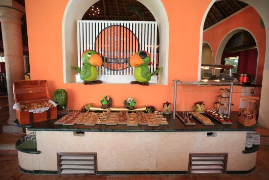 sisal buffet kids club picture of grand oasis palm cancun rh tripadvisor com