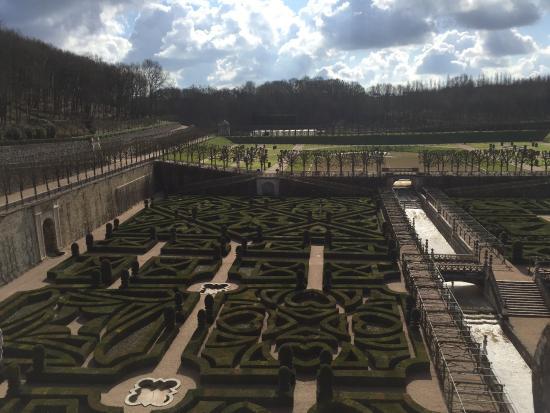 Savigne sur Lathan, Prancis: Les très jolis jardins de Villandry