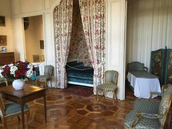 Savigne sur Lathan, Prancis: L'une des chambres du château à visiter
