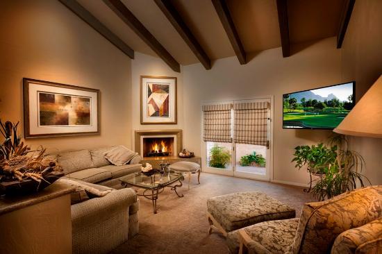 Scottsdale Plaza Resort: Lodge Living Room