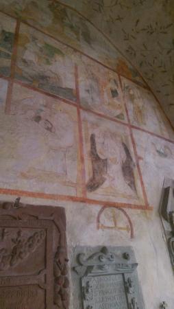 Alte Kapelle: Frescoes on the walls