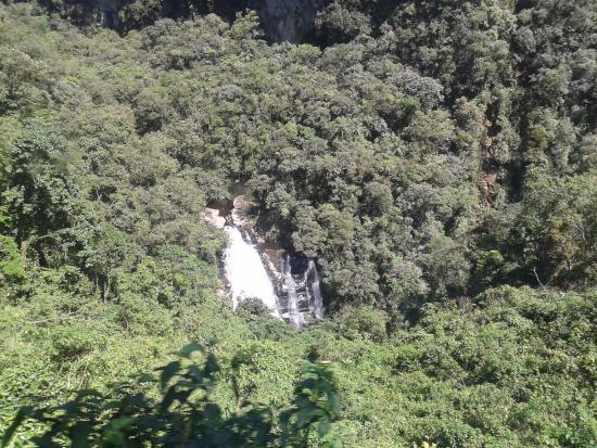 Veu de Noiva Waterfall: o tal véu de noiva