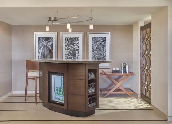 presidential suite bar picture of hyatt regency milwaukee rh tripadvisor com