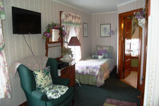 Atlantic Birches Inn: Alberta Room 2