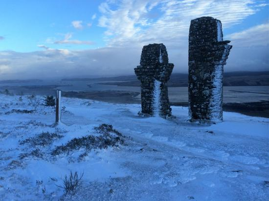 Fyrish Monument: Top of Fyrish