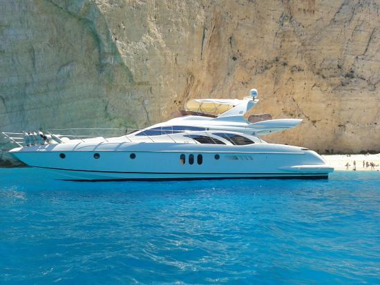Kyllini, Grecia: All of our yachts can be chartered for as many days as you please, not only in the Ionian Sea bu