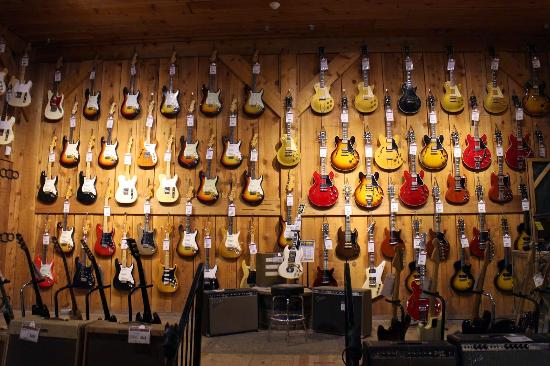vintageroom picture of guitar center los angeles tripadvisor. Black Bedroom Furniture Sets. Home Design Ideas