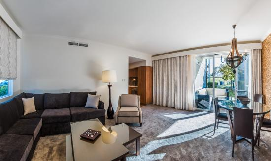 The Sebel Swan Valley the Vines : 2 Bedroom Apartment Living Area