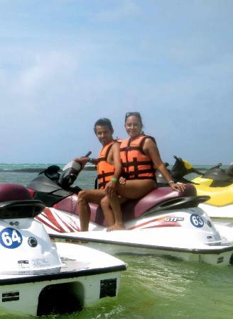 Cancun Si Tours: Motos acuáticas, listos para la aventura