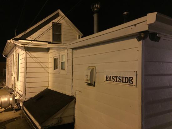 Mount Clemens, MI: Eastside Tavern