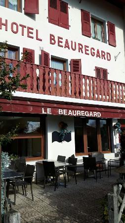 Hotel Le Beauregard: 20160308_095520_large.jpg