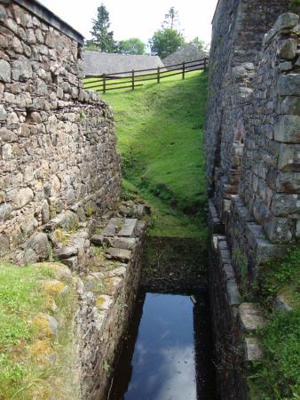 Taynuilt, UK: water channel that used to drive a water wheel.