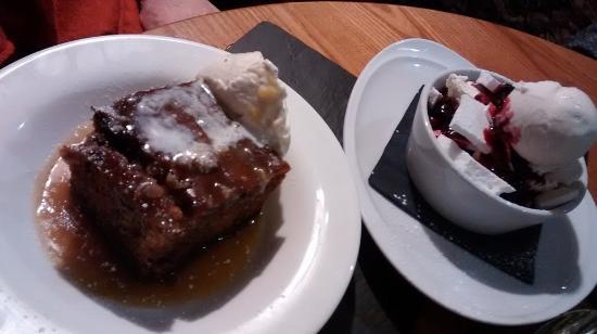 The Plough Inn: Amazing puddings.
