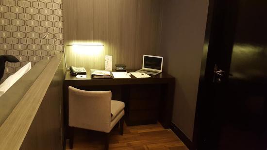 Interior - F1 Hotel Manila Photo