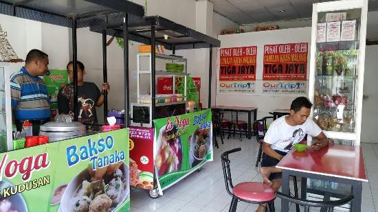 Es Yoga Malang Restaurant Reviews Photos Phone Number Tripadvisor