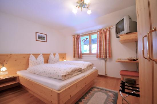 Silbertal, Austria: Doppelzimmer Steinröschen