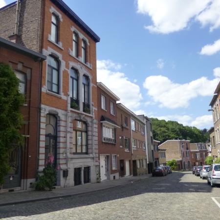 Matin tranquille B & B : The street of the BnB