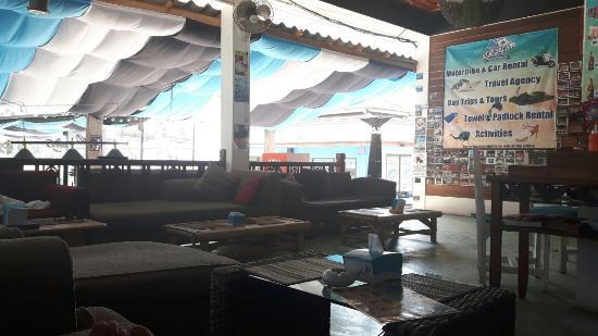 Majestic: Blue Dream Hostel