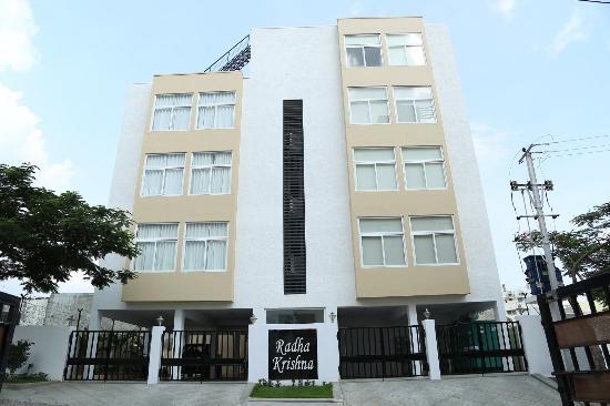 Skyla Serviced Apartments Gachibowli: Outside View