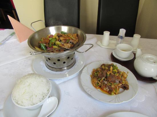Feine sichuan kuche wien unterbaumgarten restaurant for Kuche restaurant