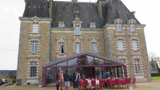 Chateau de Montbraye