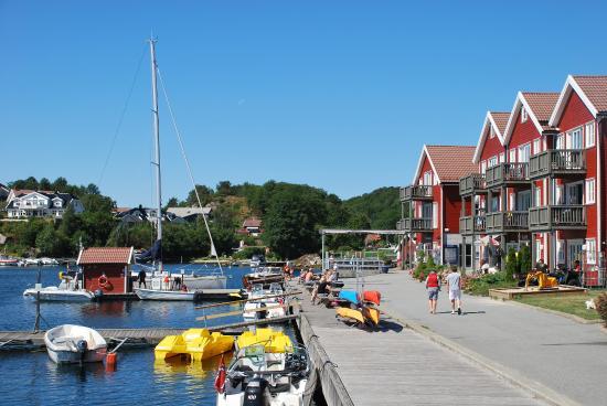 Tregde, Norwegia: Sommer på brygga