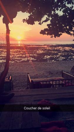 Hana Lanta Resort: Bar de l hôtel sur la plage