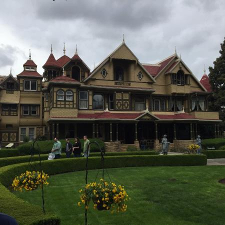 front of mansion picture of winchester mystery house san jose rh tripadvisor ca
